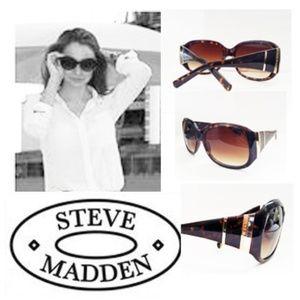 **STEVE MADDDEN**Sunglasses GET THEN NOW!*